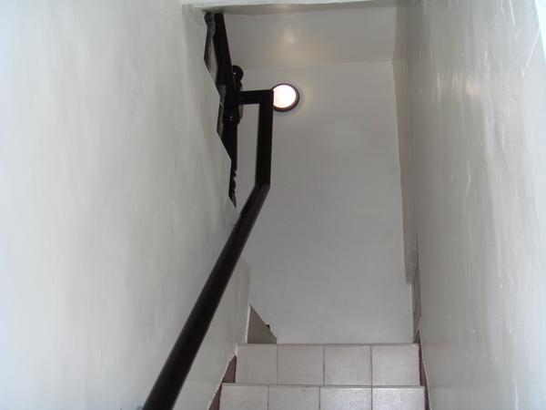 一樓樓梯間