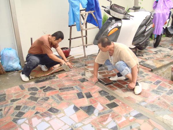 搭花崗石工人的施工