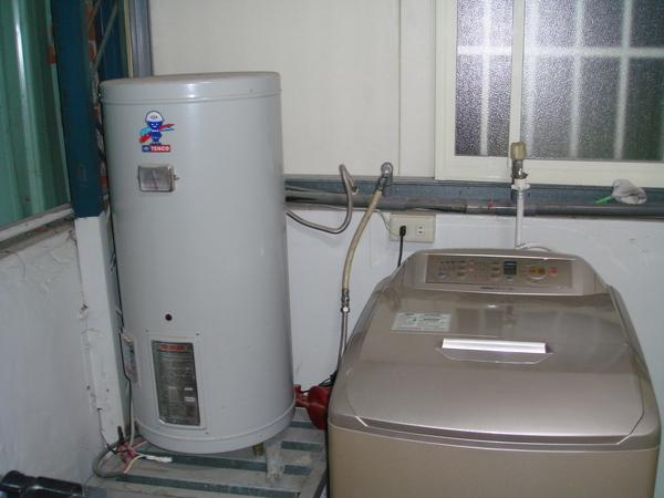 三樓電熱水器