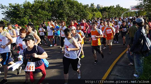 4/8KM FFS參賽者穿橘色T-shirt 很好辨認