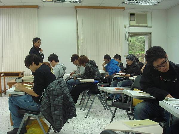 2010-11-3上課一.JPG