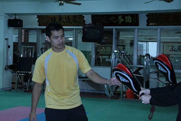 宋玉麒教練很低調~~很害羞~~