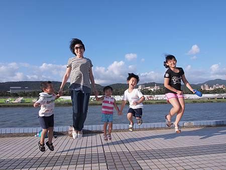 1021013大佳河濱公園遛狗18