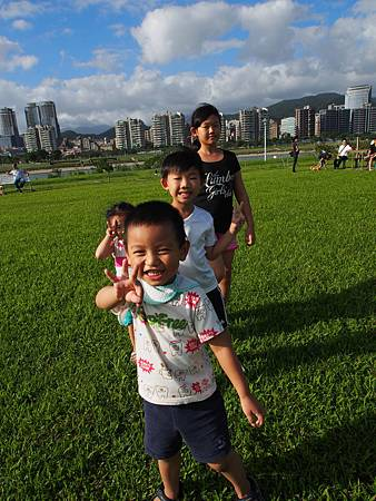 1021013大佳河濱公園遛狗42