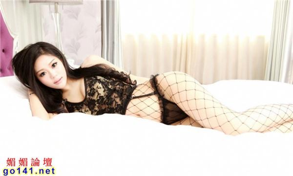 E奶模特黑色蕾絲2.jpg