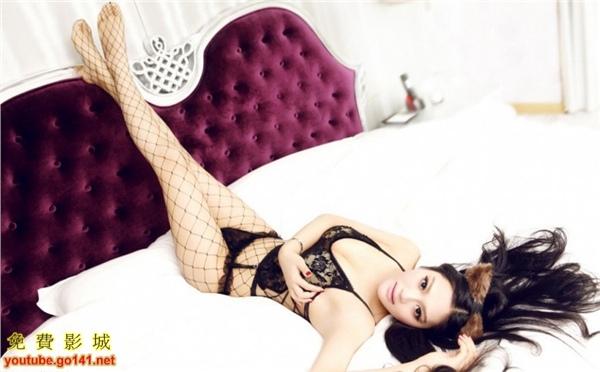 E奶模特黑色蕾絲3.jpg