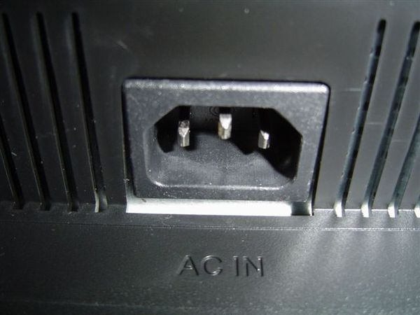 電源供應器與背板一體