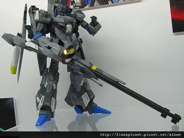 Gunpla EXPO 2011-鋼彈創世代-里澤爾-好長一隻.jpg
