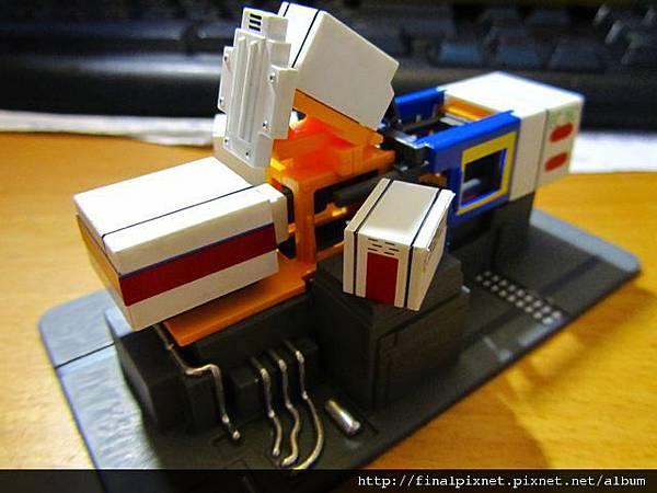 模型電動式4色射出成形機-完成品-2.jpg