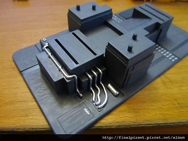 模型電動式4色射出成形機-管線用銀色呈現.jpg