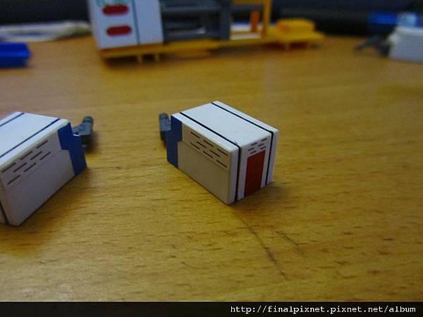 模型電動式4色射出成形機-蓋子-1.jpg