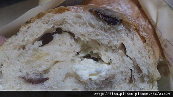 全家超麵包-克雷貝爾-蔓越莓+乳酪內餡