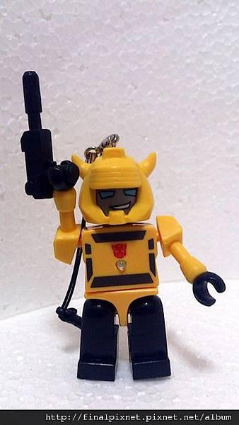 KRE-O 變形金剛-大黃蜂-全身照