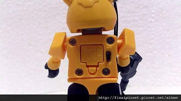 KRE-O 變形金剛-大黃蜂-背面