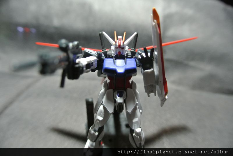 Assault Kingdom Vol.01-GAT-X105-pose_800x600