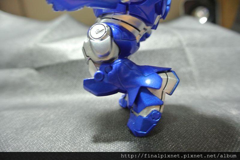 Tideway 鋼鐵人 Iron Man MK3 藍色ver.-下半身-腳部-腳部彎曲度_800x600