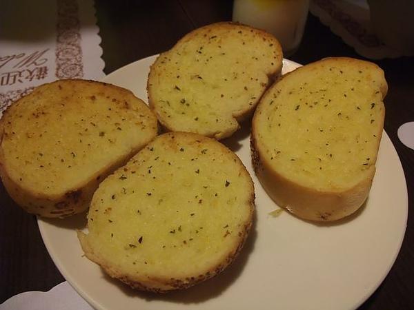 書芳園-甜點-大蒜麵包.JPG