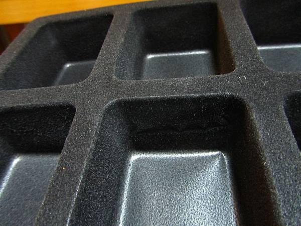全家霹靂Q版公仔Ⅸ-收藏盒-內部材質.jpg
