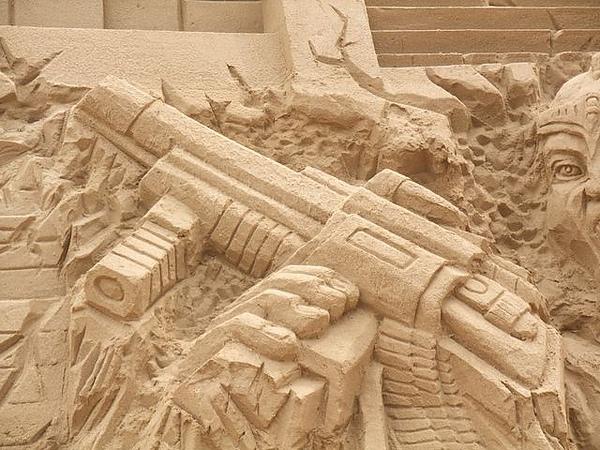 2010沙雕-阿凡達的馬雅世界-衝鋒槍.JPG