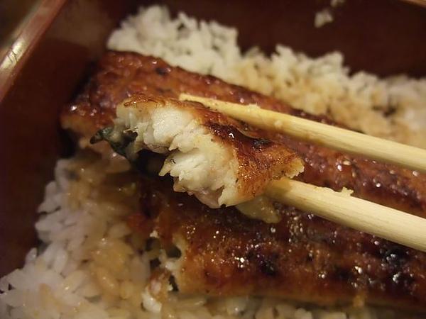 鰻魚飯-肉質鮮嫩.JPG