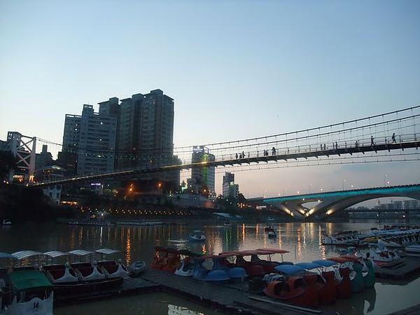 碧潭-橋上景色.JPG