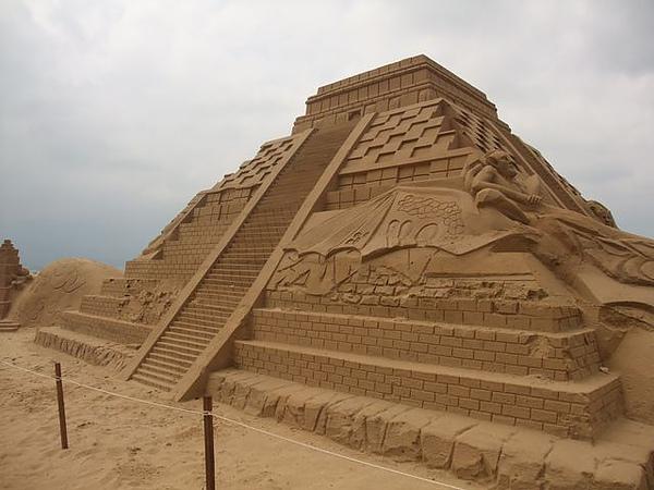 2010沙雕-祭壇.JPG