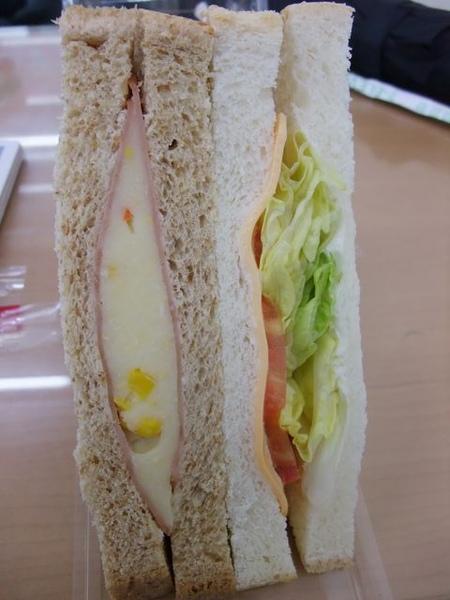 起司薯泥沙拉三明治-本體