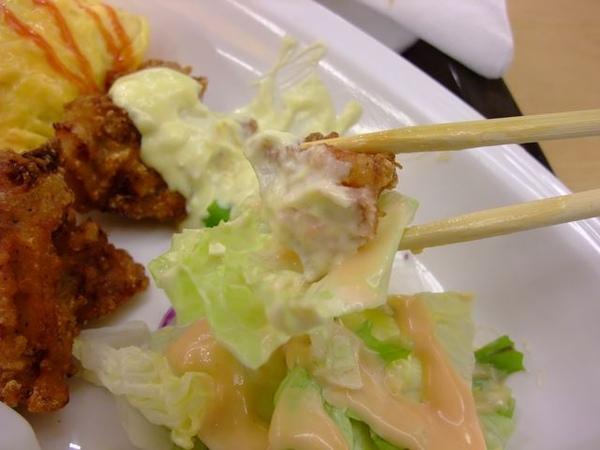 沙拉夾炸雞