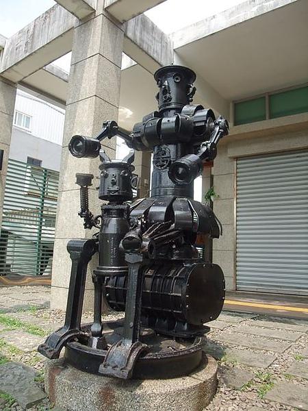 福隆火車站-機器人-1.JPG