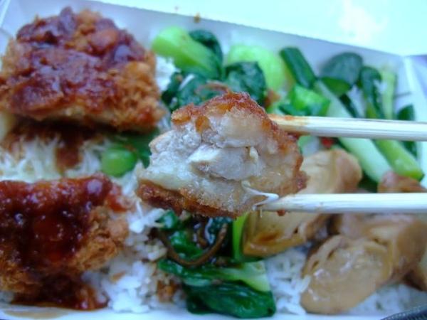日式雞排-醬汁甜甜鹹鹹的.JPG