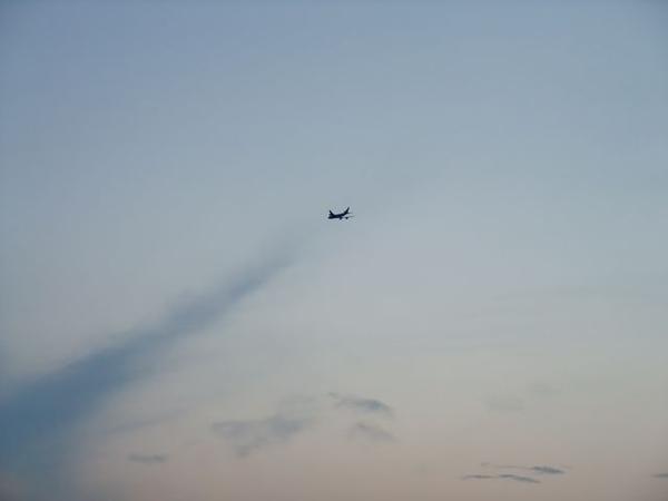 有飛機飛過哦.JPG