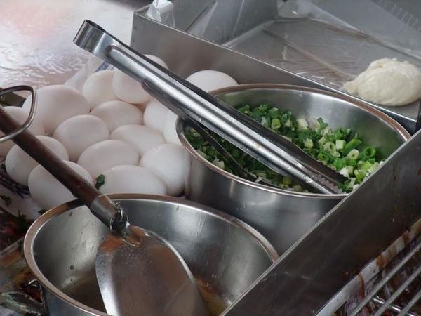 大鍋的蔥和蛋.JPG