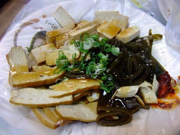 龍抄手-小菜-吃起來普通.JPG