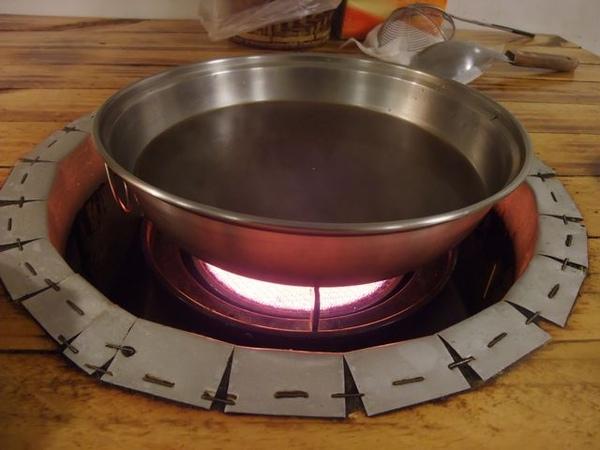 爐在燒.JPG