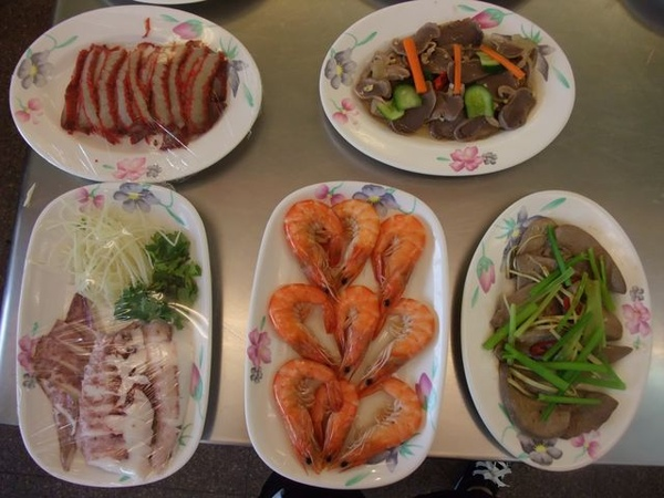 小菜-鮮蝦、魷魚等.JPG