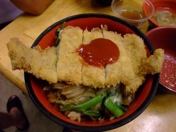 日式豬排飯.JPG