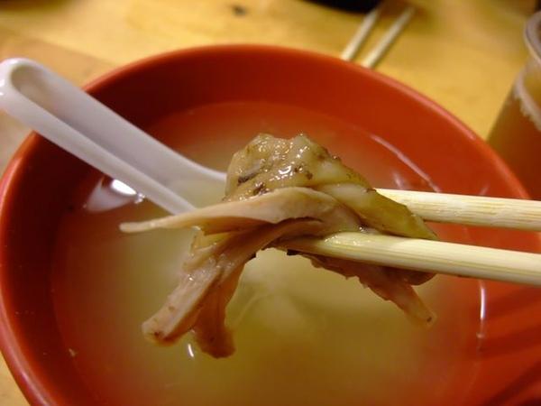 烤肉定食-滷雞腿-肉質鮮嫩.JPG