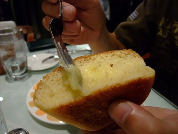 麵包-塗上醬.JPG