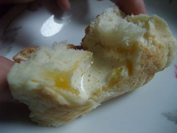 微波吃法-撕開來看,奶油都溶化了.JPG