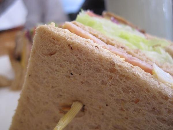 第2日早餐-尼克咖啡-總匯三明治-全麥吐司.JPG