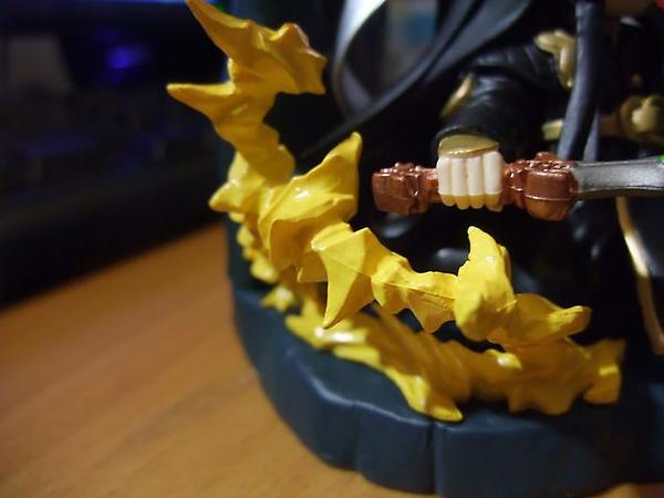魔流劍-黃色氣流狀更有攻擊性.jpg