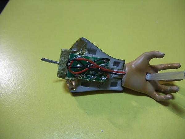 超五布羅利-LED左手放置水銀電池處.JPG