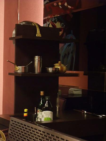 店內擺設-料理醬料.JPG