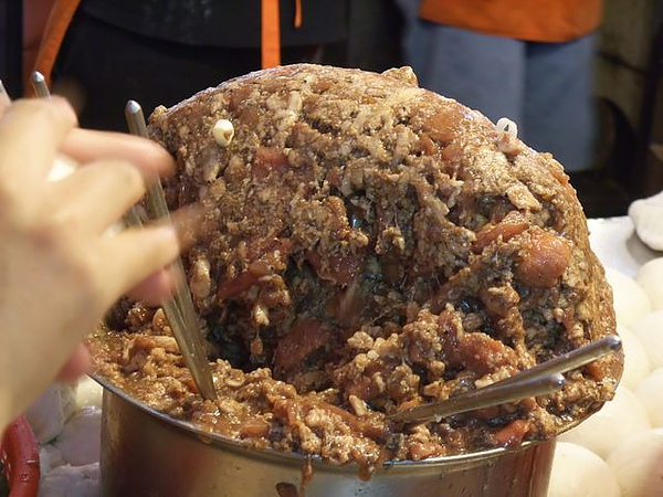 福州世祖-一大鍋的肉.JPG