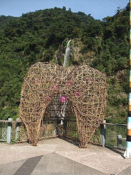 烏來-台車-瀑布站-情人窩.JPG