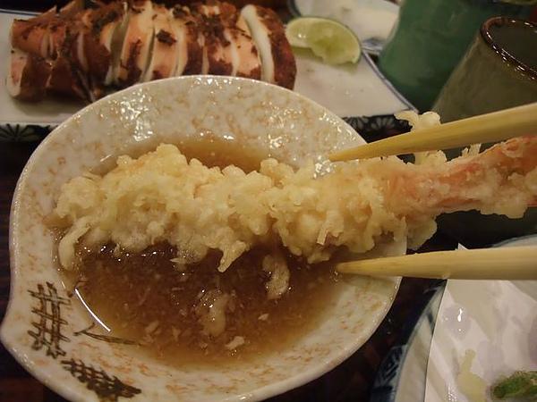 綜合炸蝦盤-沾醬.JPG