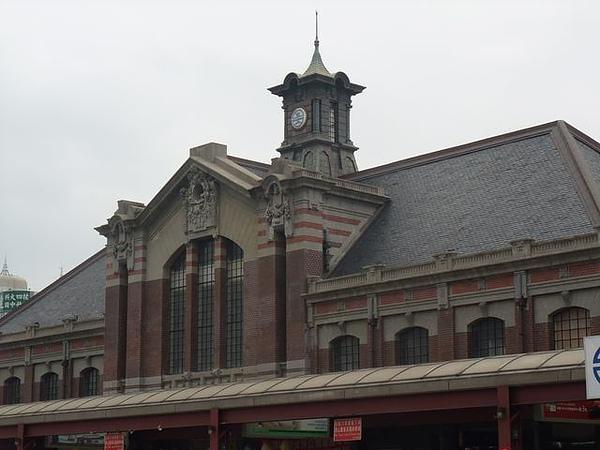台中車站-站頂-45度角.jpg
