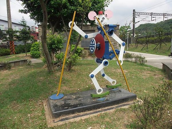 福隆火車站-機器人-3.JPG
