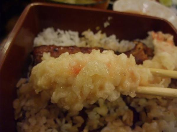 綜合炸蝦盤-炸衣沾醬.JPG