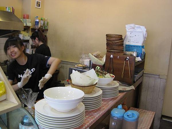 第2日早餐-尼克咖啡-櫃台-2.JPG